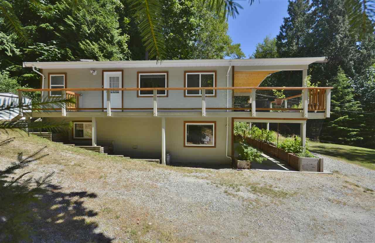 Detached at 4559 MERRILL ROAD, Sunshine Coast, British Columbia. Image 2