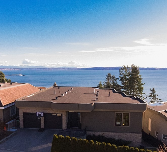 Detached at 14457 MAGDALEN CRESCENT, South Surrey White Rock, British Columbia. Image 4