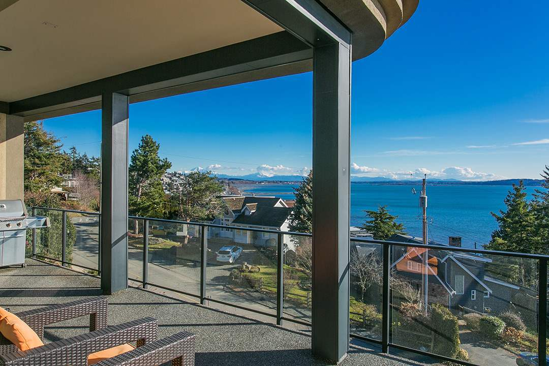 Detached at 14457 MAGDALEN CRESCENT, South Surrey White Rock, British Columbia. Image 17