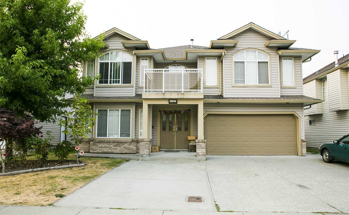 Detached at 31427 HOMESTEAD CRESCENT, Abbotsford, British Columbia. Image 1