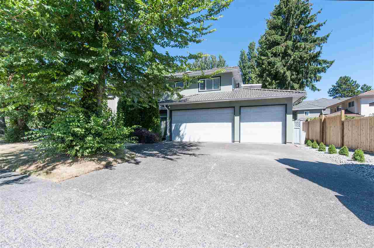 Detached at 6911 CAMSELL CRESCENT, Richmond, British Columbia. Image 2