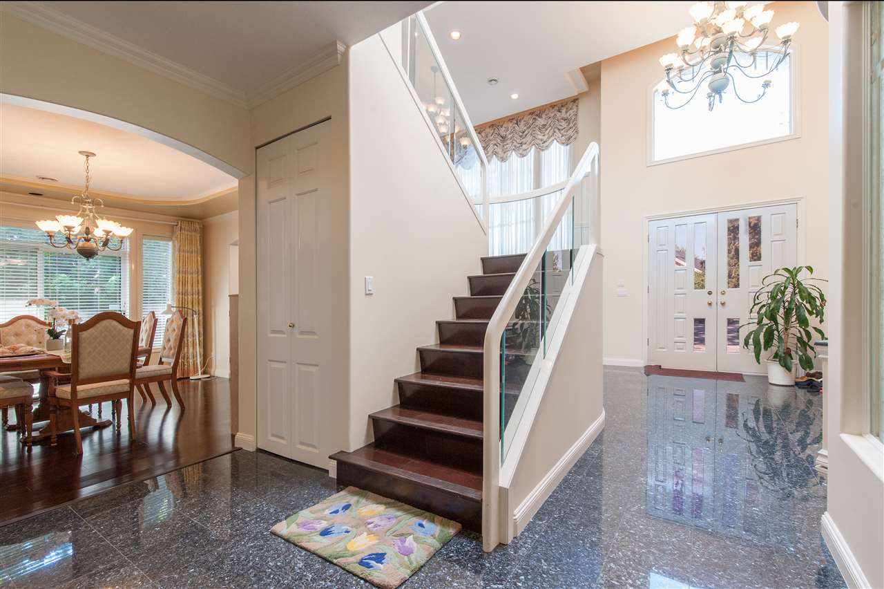 Detached at 6911 CAMSELL CRESCENT, Richmond, British Columbia. Image 4