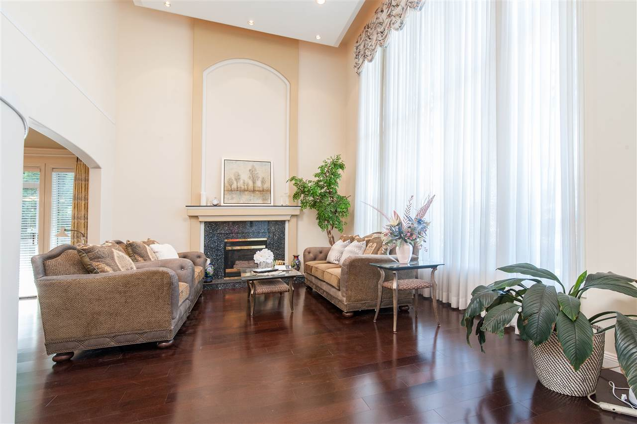 Detached at 6911 CAMSELL CRESCENT, Richmond, British Columbia. Image 5