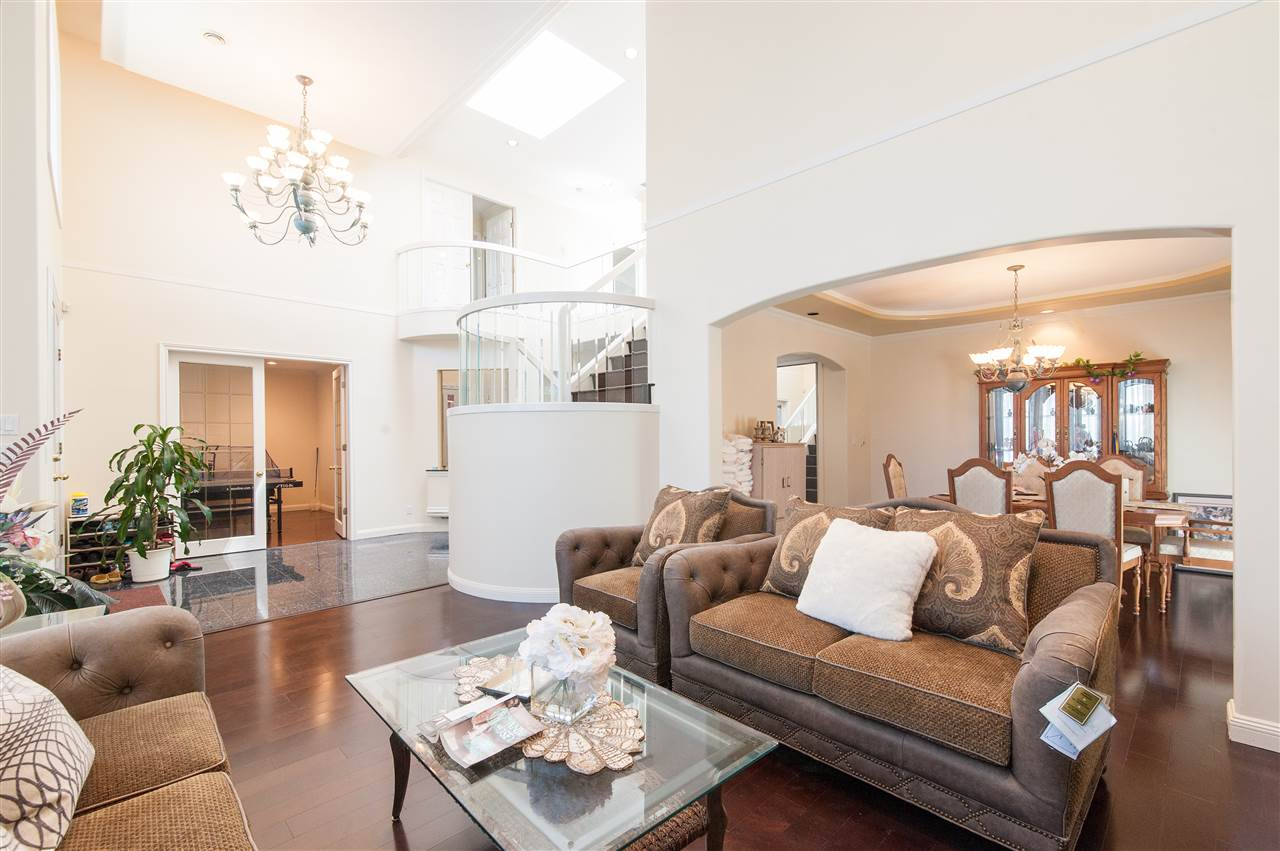 Detached at 6911 CAMSELL CRESCENT, Richmond, British Columbia. Image 7