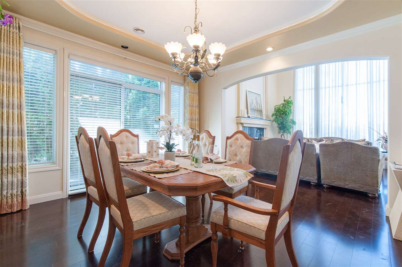 Detached at 6911 CAMSELL CRESCENT, Richmond, British Columbia. Image 9