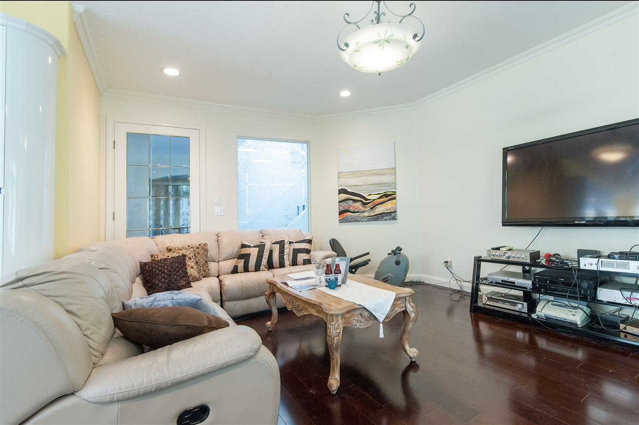 Detached at 6911 CAMSELL CRESCENT, Richmond, British Columbia. Image 12