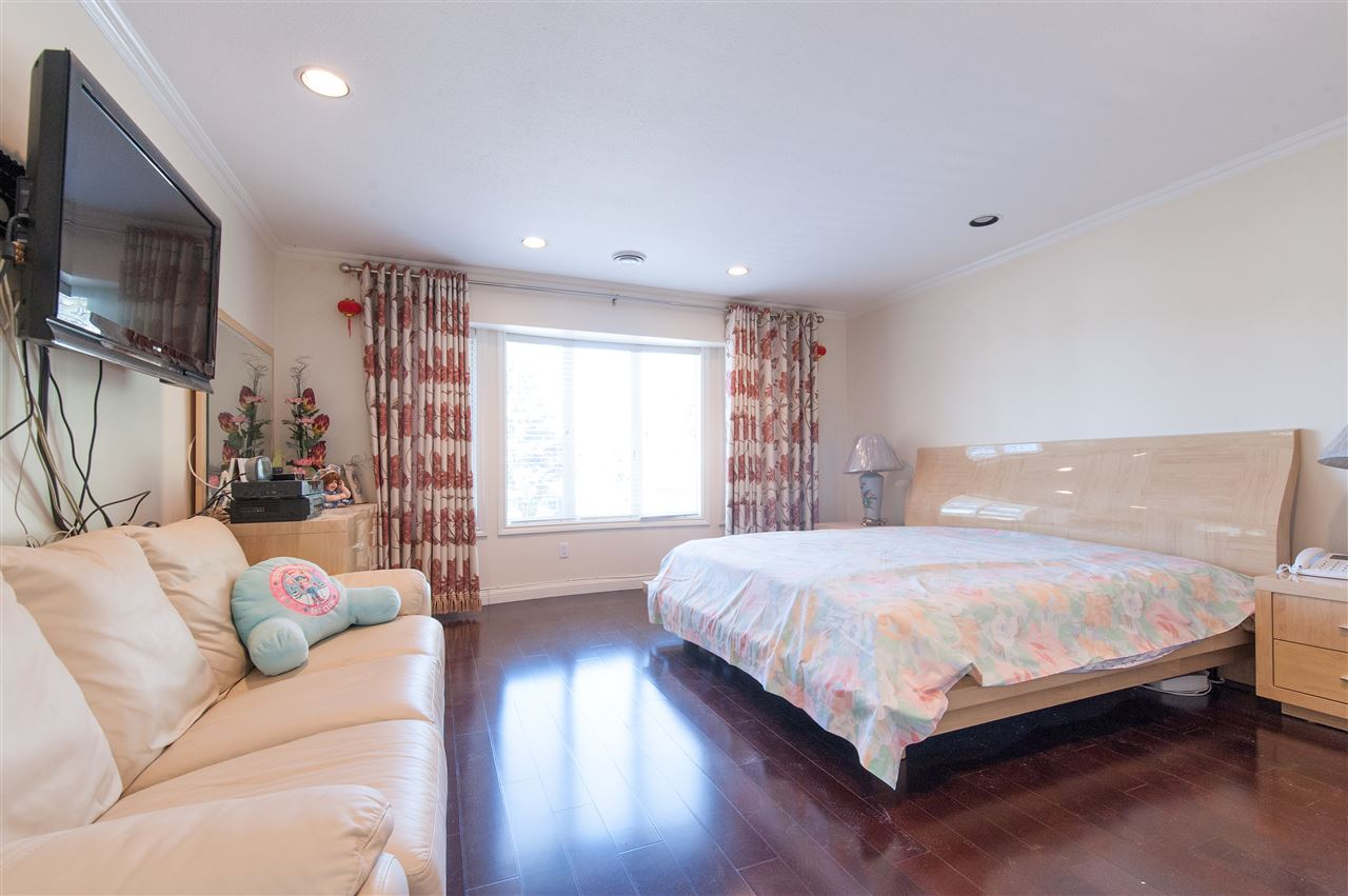 Detached at 6911 CAMSELL CRESCENT, Richmond, British Columbia. Image 13