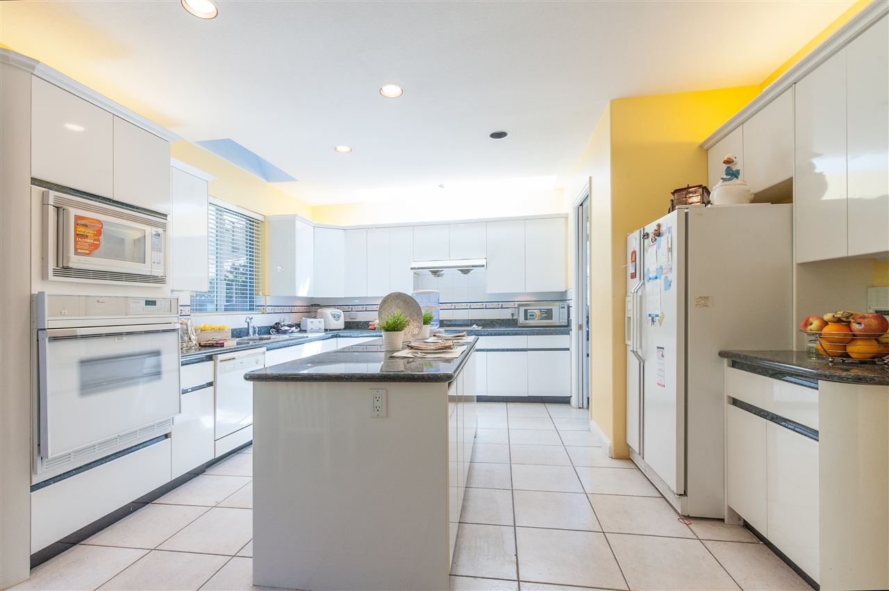 Detached at 6911 CAMSELL CRESCENT, Richmond, British Columbia. Image 14