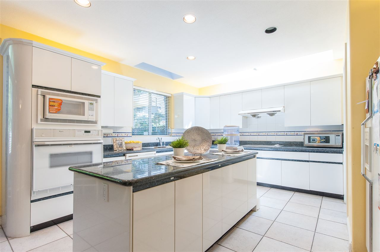 Detached at 6911 CAMSELL CRESCENT, Richmond, British Columbia. Image 15
