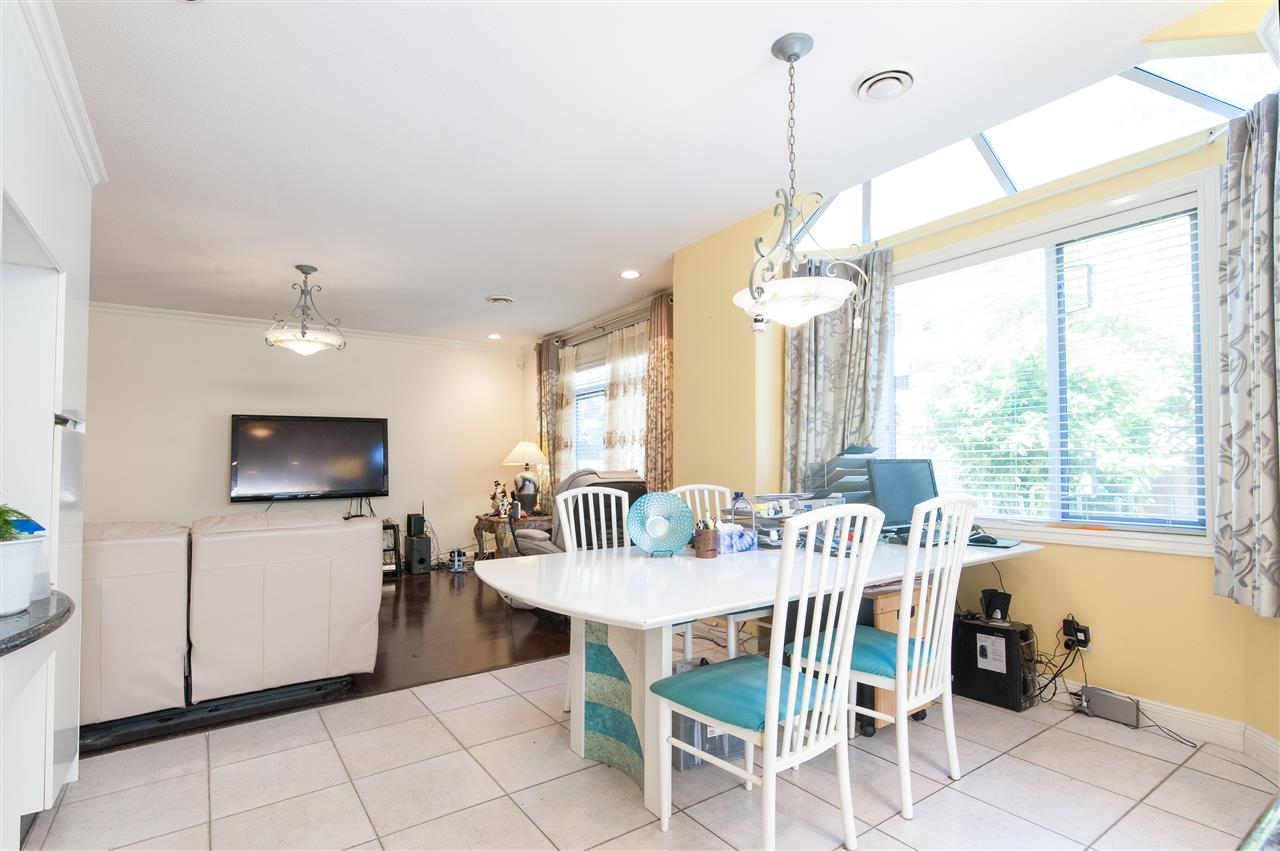 Detached at 6911 CAMSELL CRESCENT, Richmond, British Columbia. Image 16