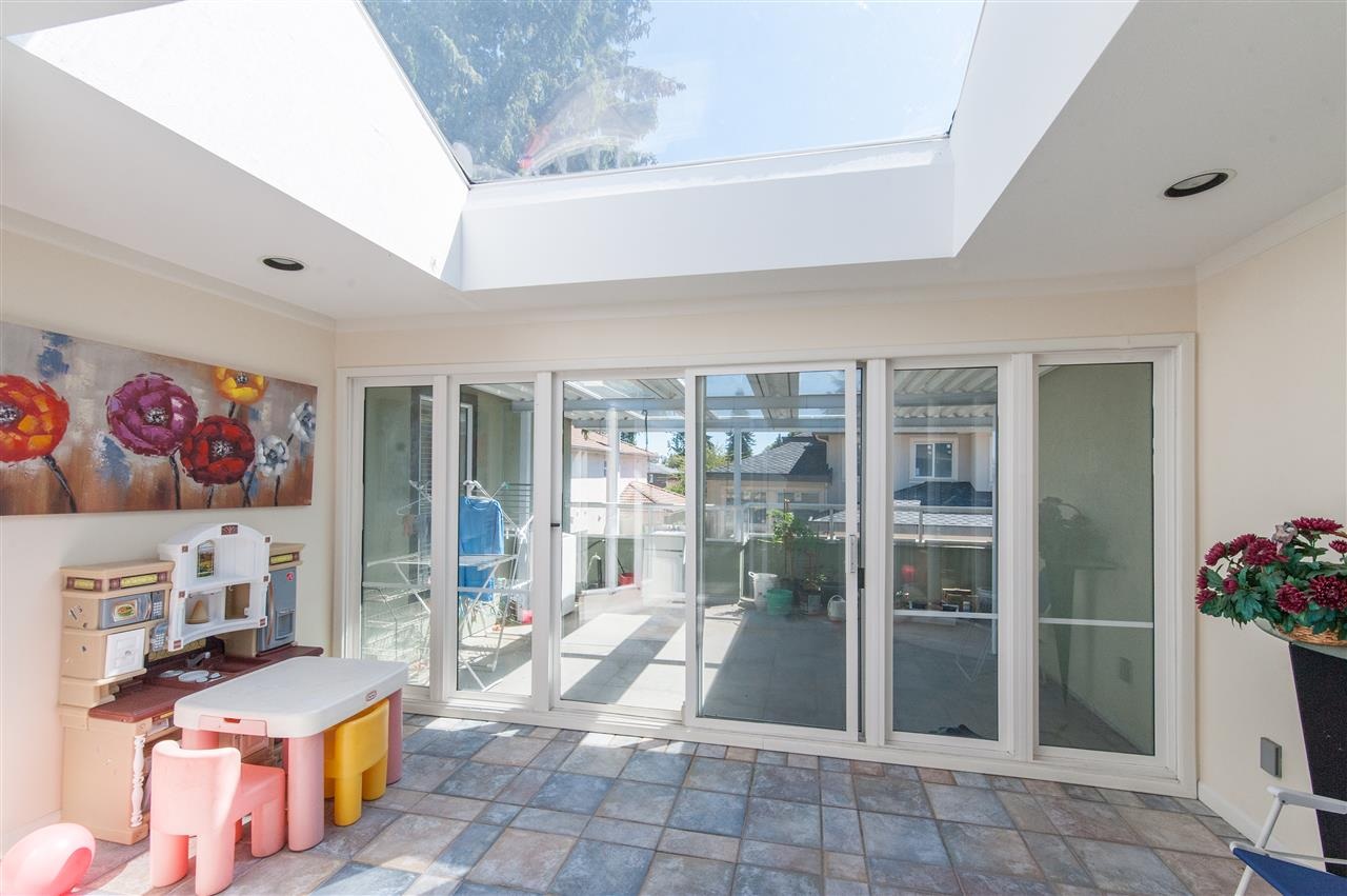 Detached at 6911 CAMSELL CRESCENT, Richmond, British Columbia. Image 20