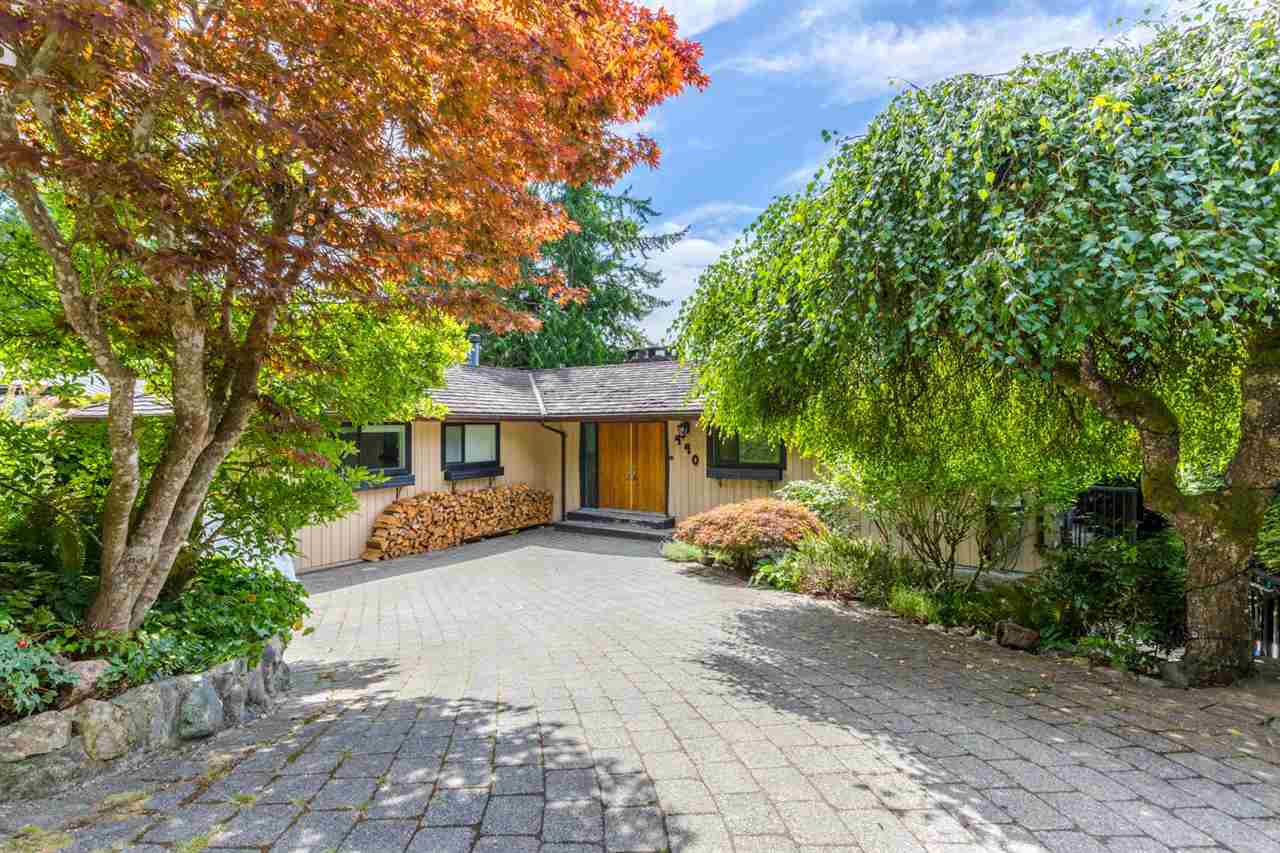 Detached at 440 TIMBERTOP DRIVE, West Vancouver, British Columbia. Image 14