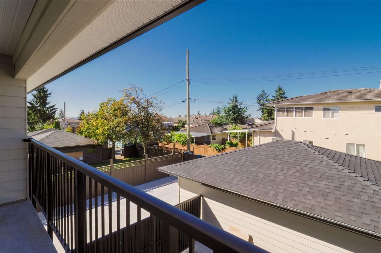 Half-duplex at 7727 CURRAGH AVENUE, Burnaby South, British Columbia. Image 8