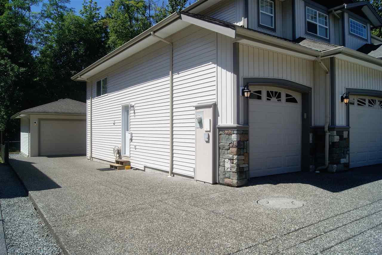 Detached at 13327 233 STREET, Maple Ridge, British Columbia. Image 2