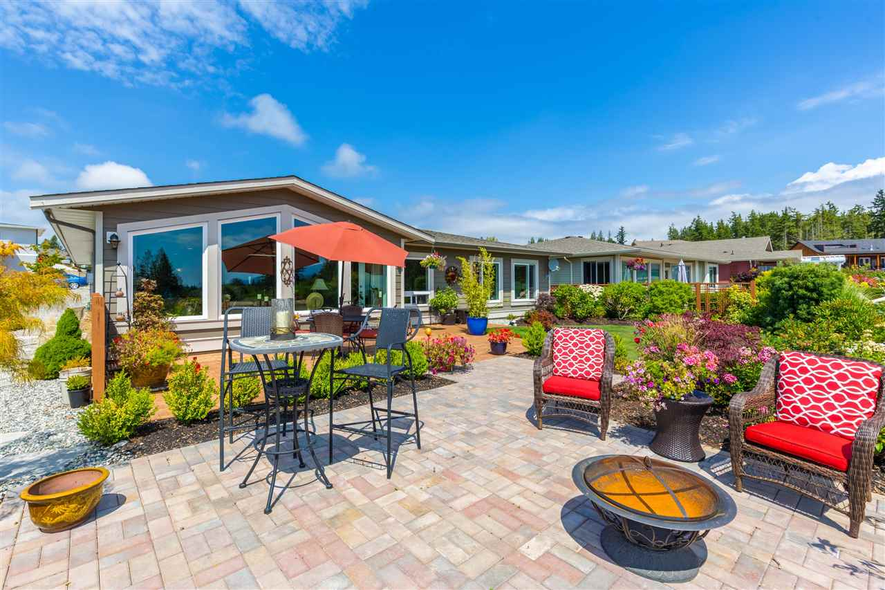 Detached at 6332 BAILLIE ROAD, Sunshine Coast, British Columbia. Image 1