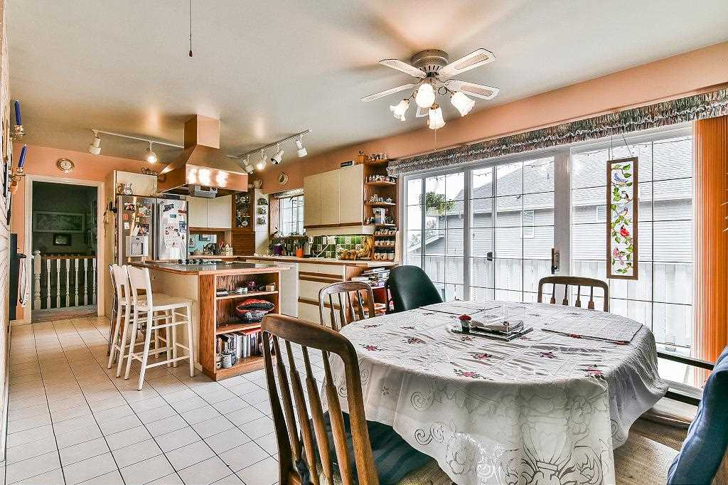 Detached at 7189 208A STREET, Langley, British Columbia. Image 2
