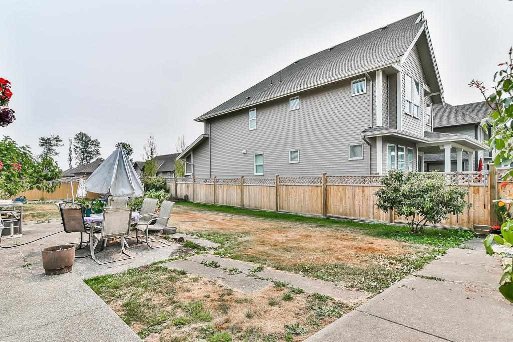 Detached at 7189 208A STREET, Langley, British Columbia. Image 19