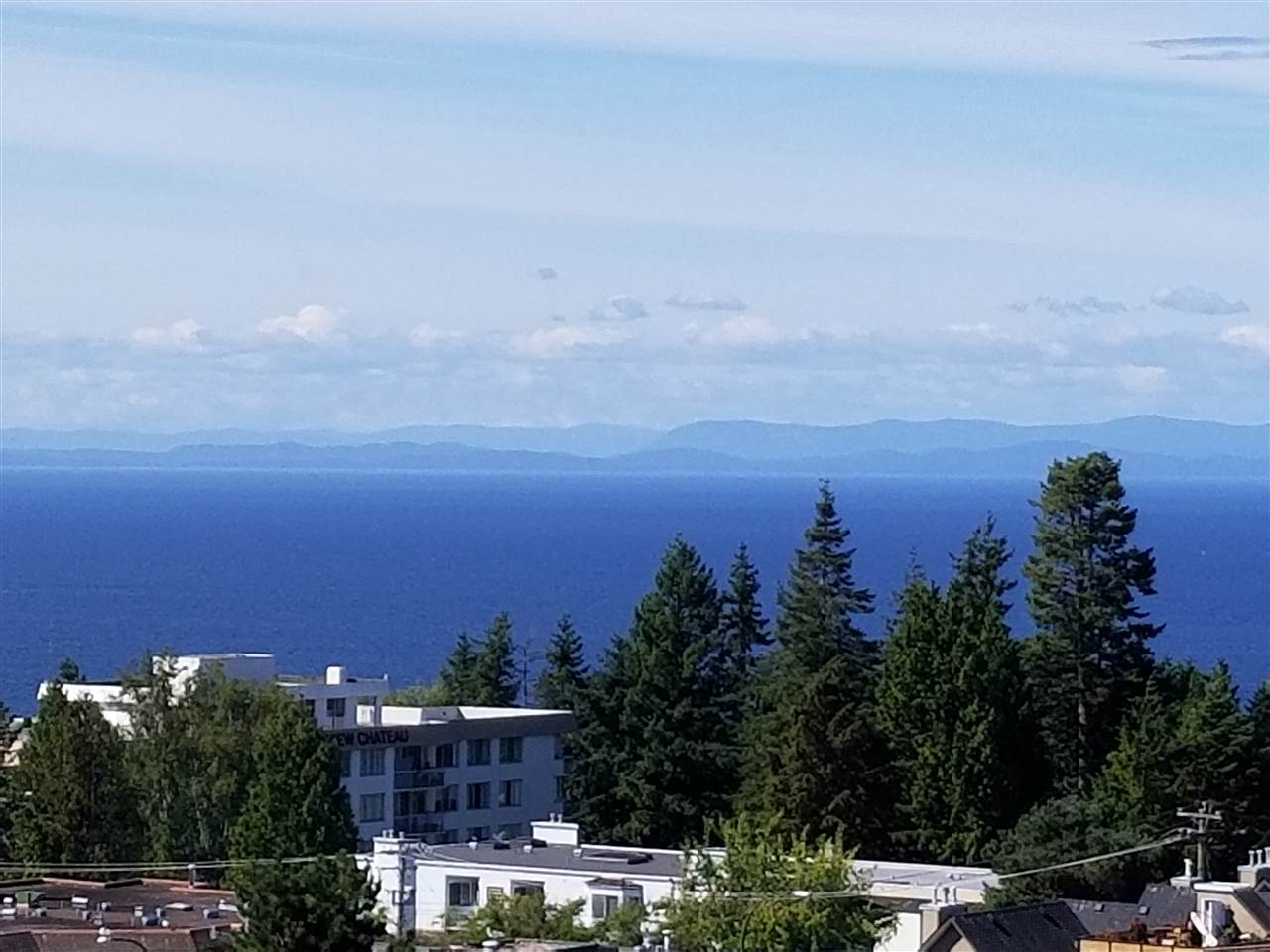 Condo Apartment at 707 1442 FOSTER STREET, Unit 707, South Surrey White Rock, British Columbia. Image 2