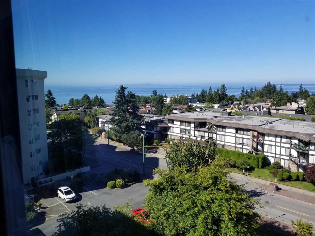Condo Apartment at 707 1442 FOSTER STREET, Unit 707, South Surrey White Rock, British Columbia. Image 5