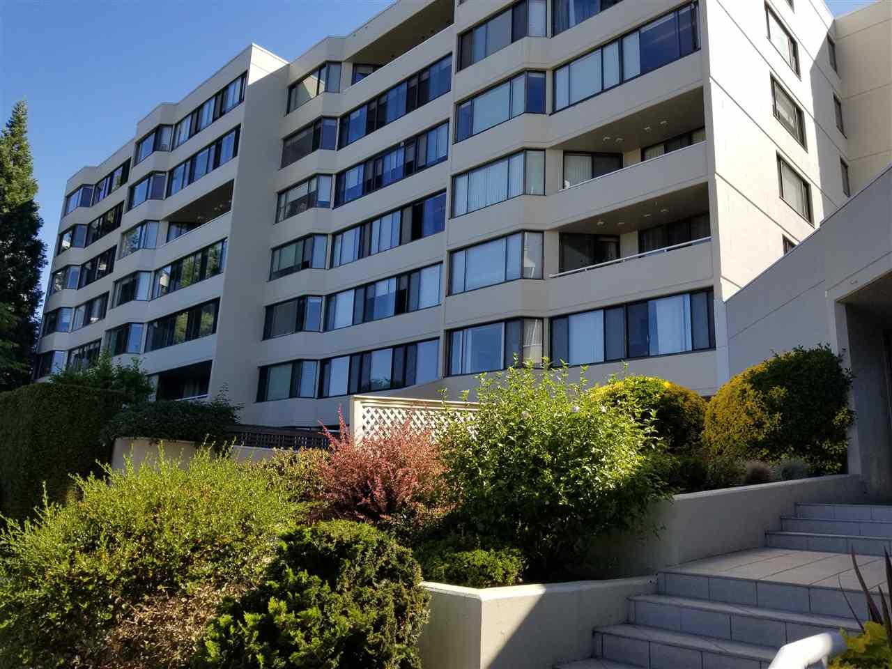 Condo Apartment at 707 1442 FOSTER STREET, Unit 707, South Surrey White Rock, British Columbia. Image 7