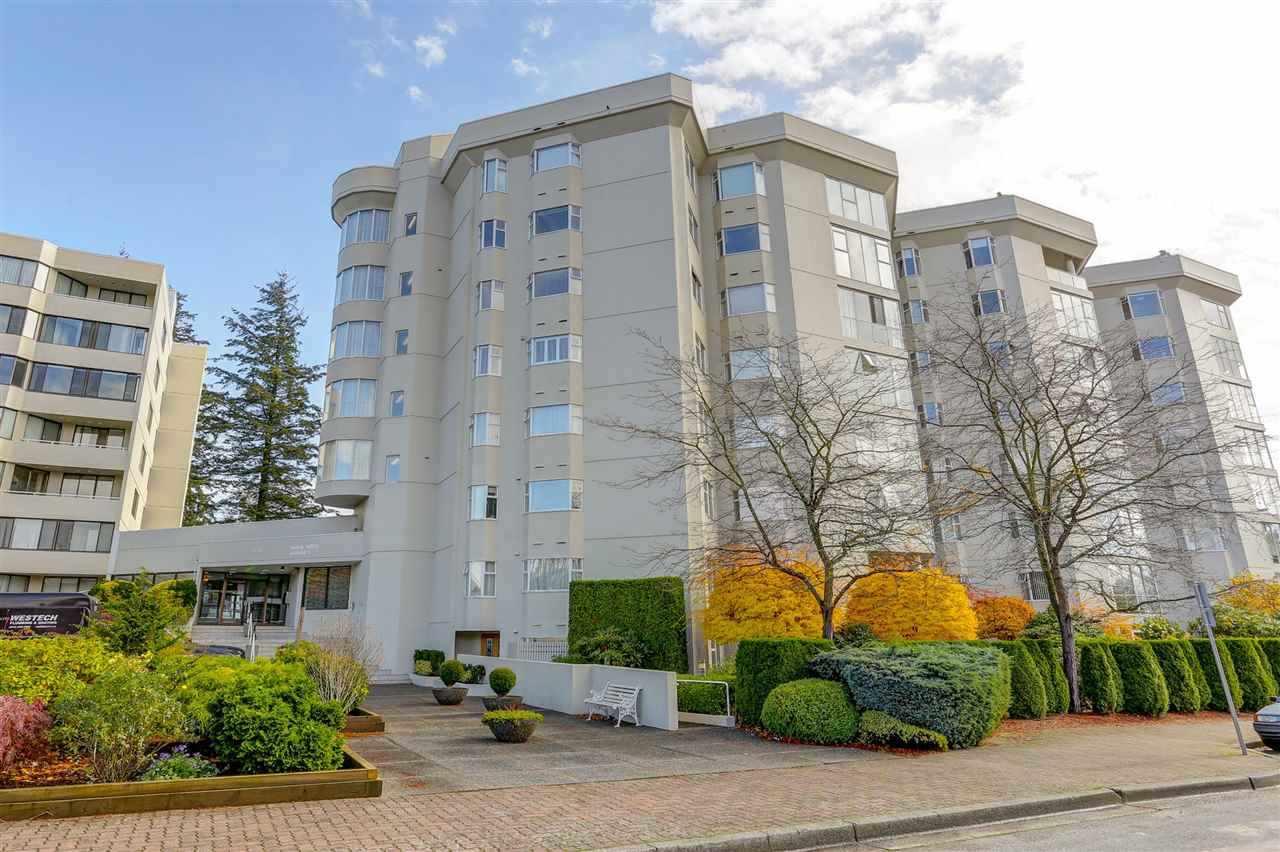 Condo Apartment at 707 1442 FOSTER STREET, Unit 707, South Surrey White Rock, British Columbia. Image 8