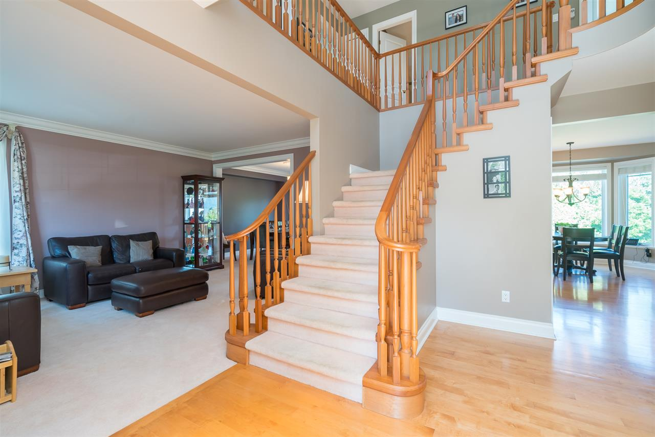 Detached at 35917 STONECROFT PLACE, Abbotsford, British Columbia. Image 6