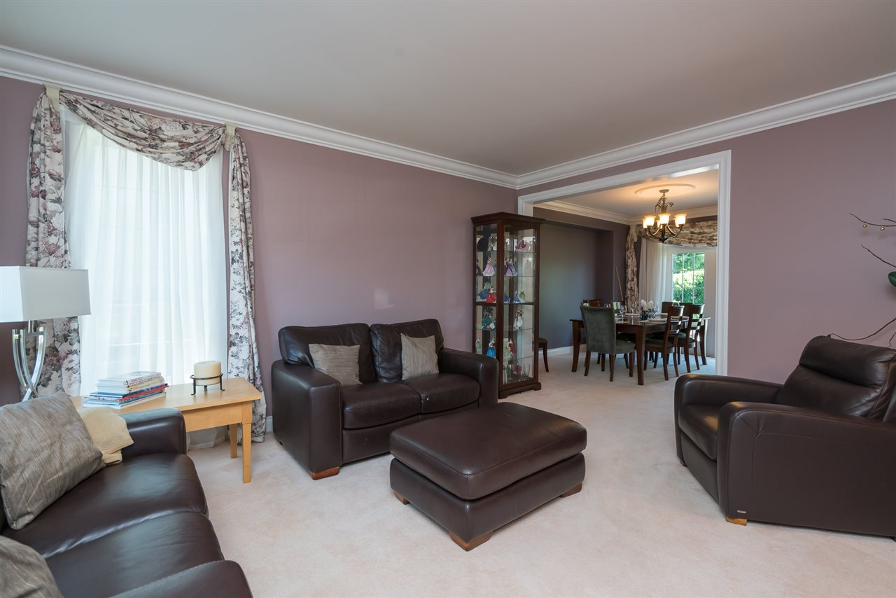 Detached at 35917 STONECROFT PLACE, Abbotsford, British Columbia. Image 8