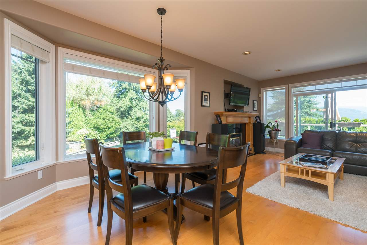 Detached at 35917 STONECROFT PLACE, Abbotsford, British Columbia. Image 11