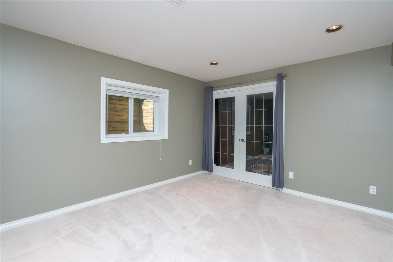 Detached at 35917 STONECROFT PLACE, Abbotsford, British Columbia. Image 18