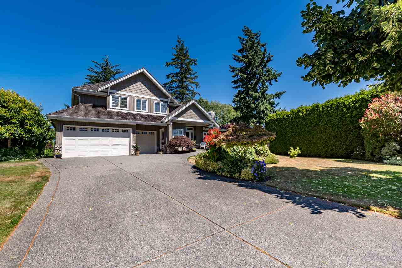 Detached at 13921 23 AVENUE, South Surrey White Rock, British Columbia. Image 1