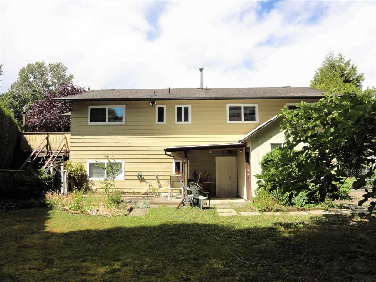 Detached at 8944 URSUS CRESCENT, Surrey, British Columbia. Image 17