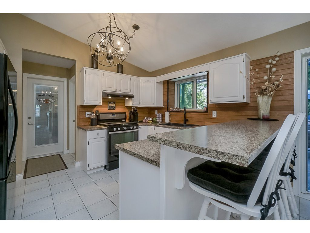 Detached at 5028 242 DRIVE, Langley, British Columbia. Image 7