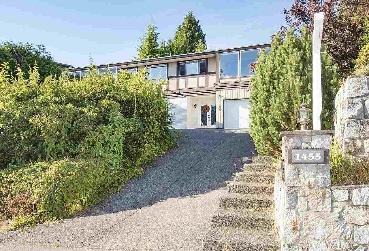 Detached at 1455 TYROL ROAD, West Vancouver, British Columbia. Image 2