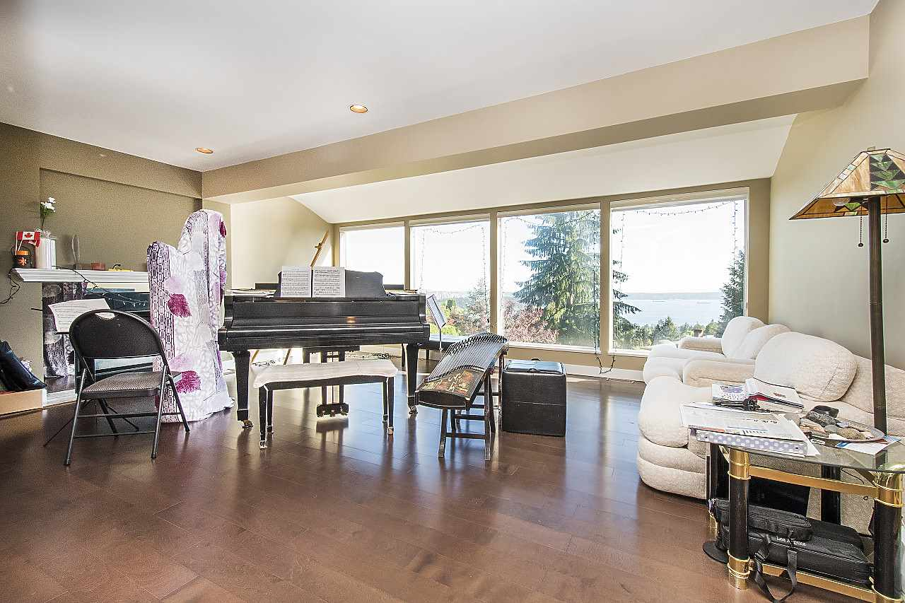 Detached at 1455 TYROL ROAD, West Vancouver, British Columbia. Image 5