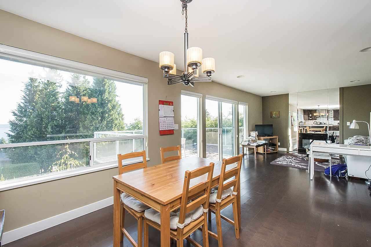 Detached at 1455 TYROL ROAD, West Vancouver, British Columbia. Image 10
