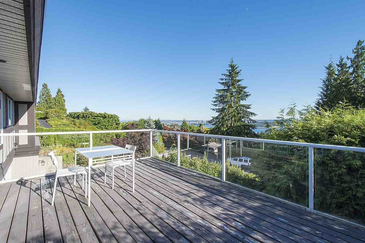 Detached at 1455 TYROL ROAD, West Vancouver, British Columbia. Image 11