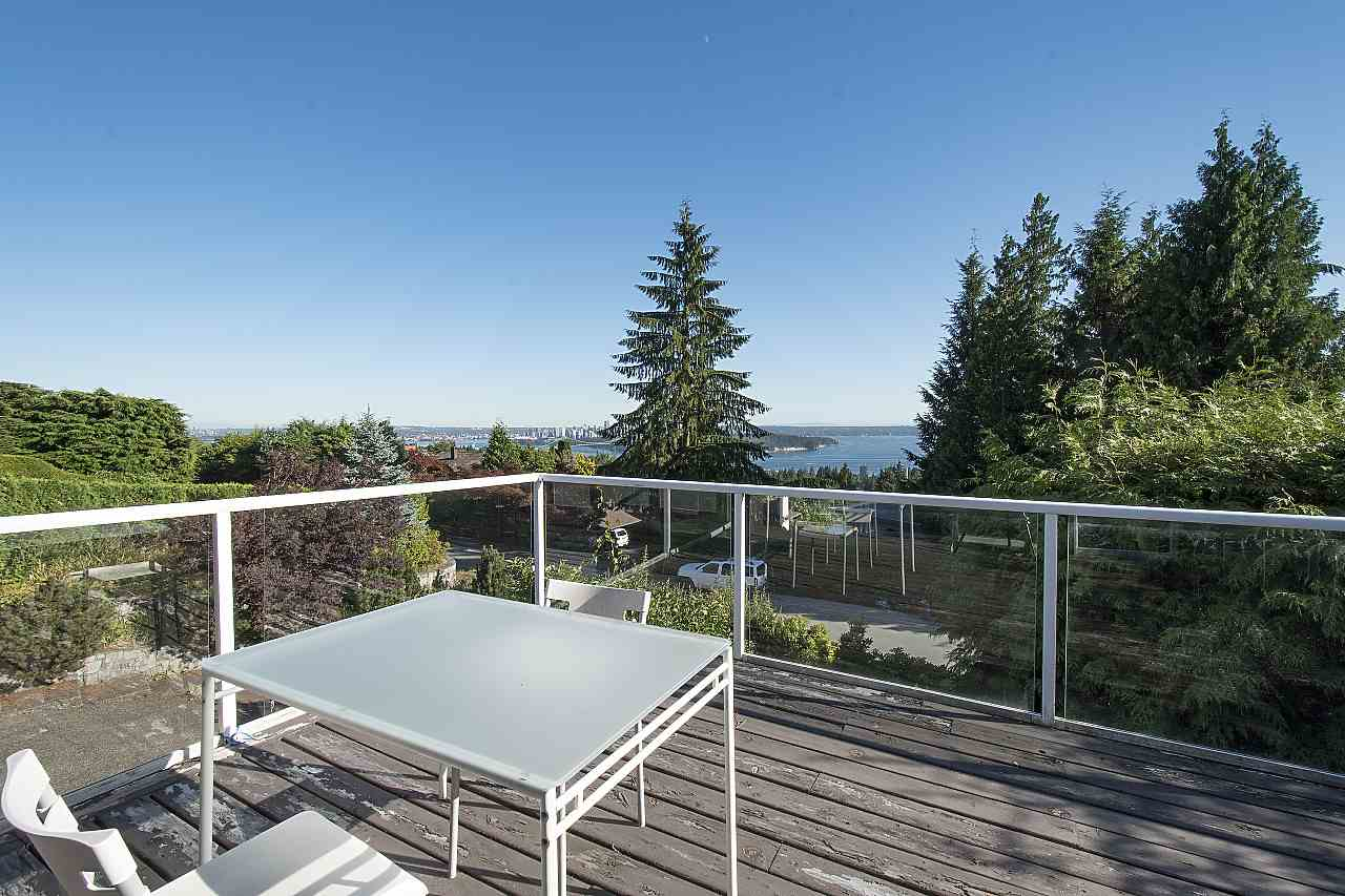 Detached at 1455 TYROL ROAD, West Vancouver, British Columbia. Image 12