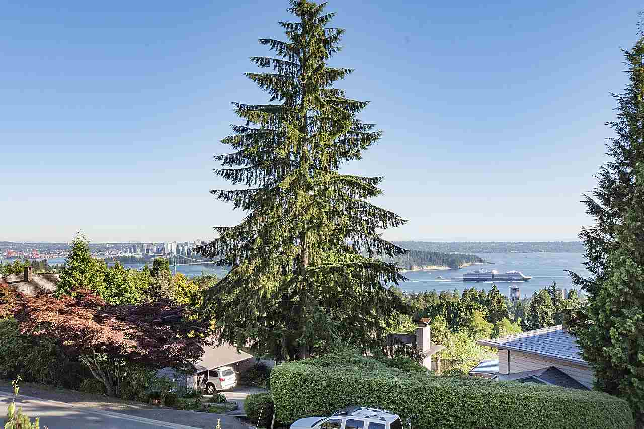 Detached at 1455 TYROL ROAD, West Vancouver, British Columbia. Image 14