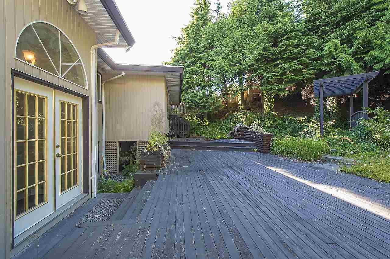 Detached at 1455 TYROL ROAD, West Vancouver, British Columbia. Image 19