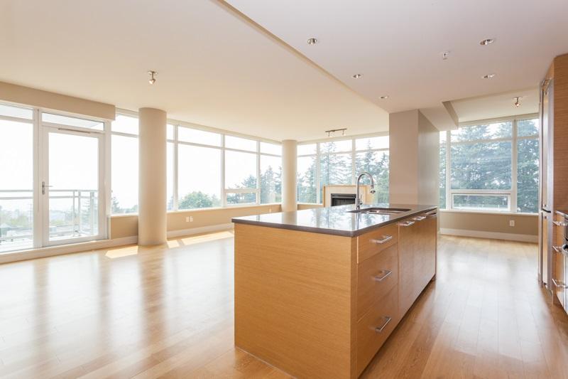 Condo Apartment at 502 1473 JOHNSTON ROAD, Unit 502, South Surrey White Rock, British Columbia. Image 1