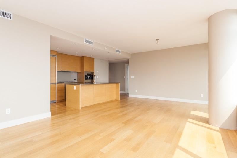 Condo Apartment at 502 1473 JOHNSTON ROAD, Unit 502, South Surrey White Rock, British Columbia. Image 3