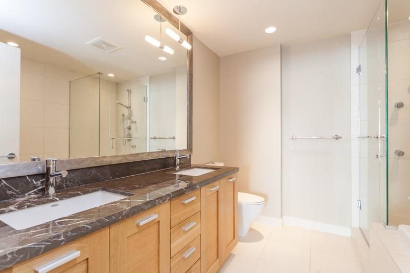 Condo Apartment at 502 1473 JOHNSTON ROAD, Unit 502, South Surrey White Rock, British Columbia. Image 5