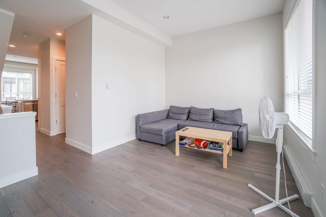 Townhouse at 8 111 WOOD STREET, Unit 8, New Westminster, British Columbia. Image 8