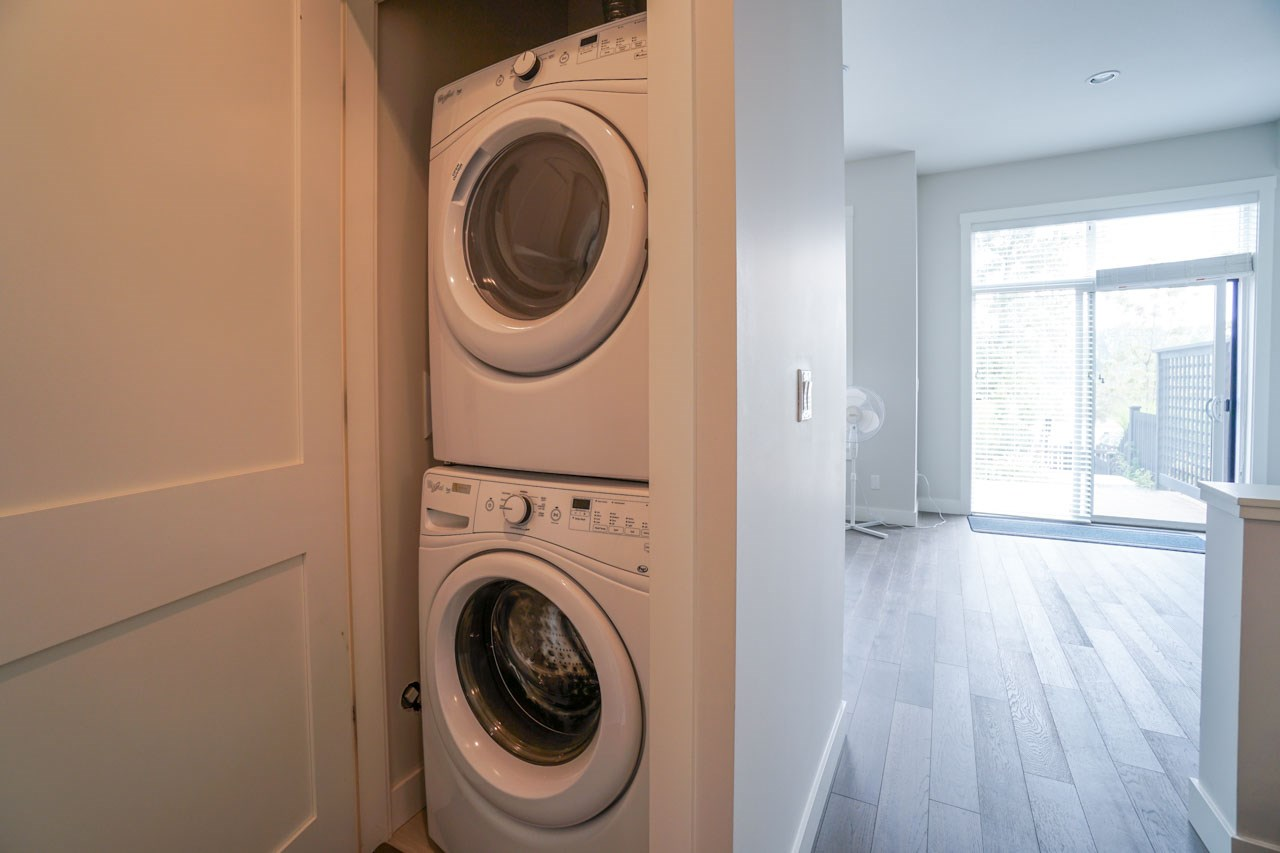Townhouse at 8 111 WOOD STREET, Unit 8, New Westminster, British Columbia. Image 10