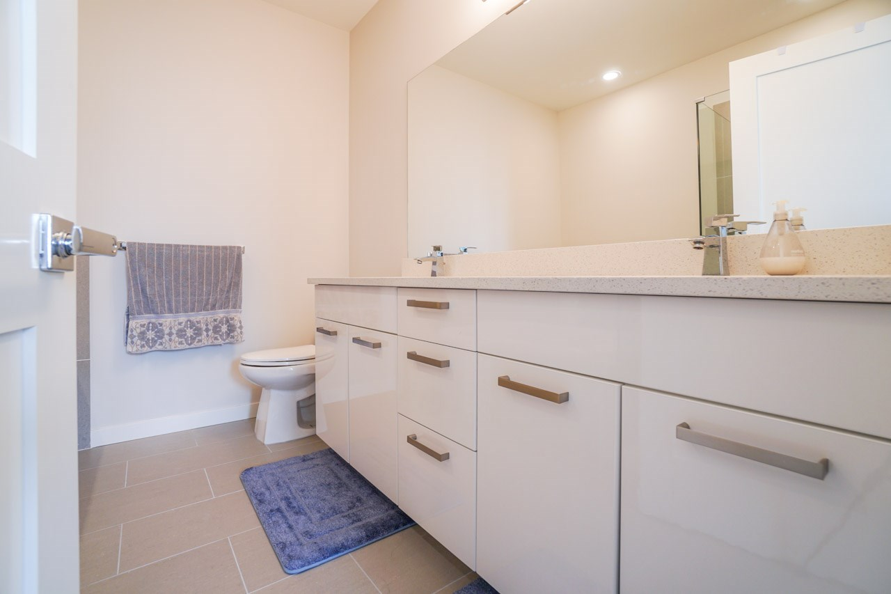 Townhouse at 8 111 WOOD STREET, Unit 8, New Westminster, British Columbia. Image 20