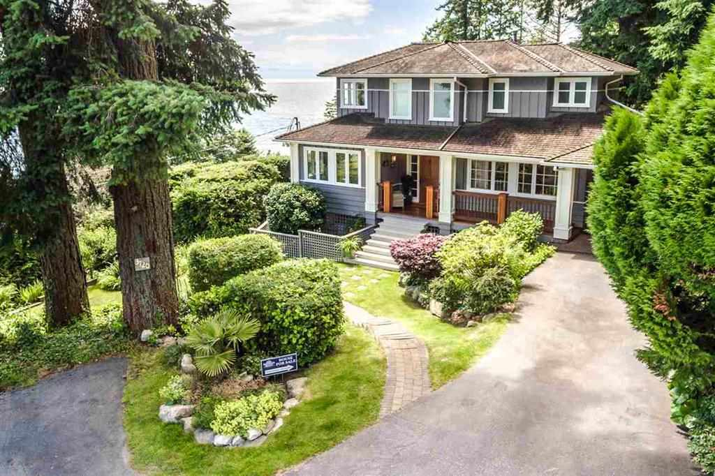 Detached at 3720 CREERY AVENUE, West Vancouver, British Columbia. Image 2
