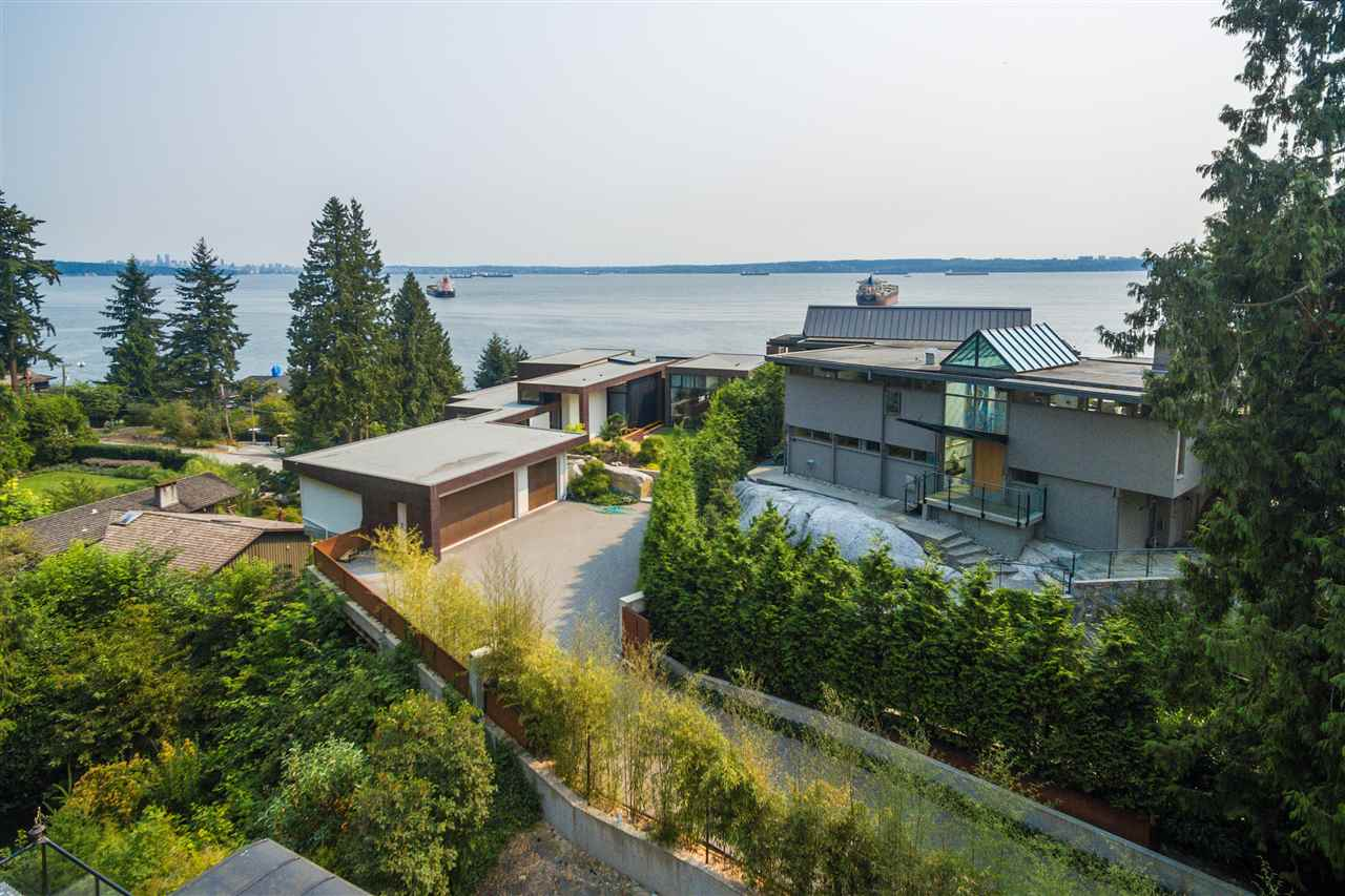 Detached at 4176 ROSE CRESCENT, West Vancouver, British Columbia. Image 1