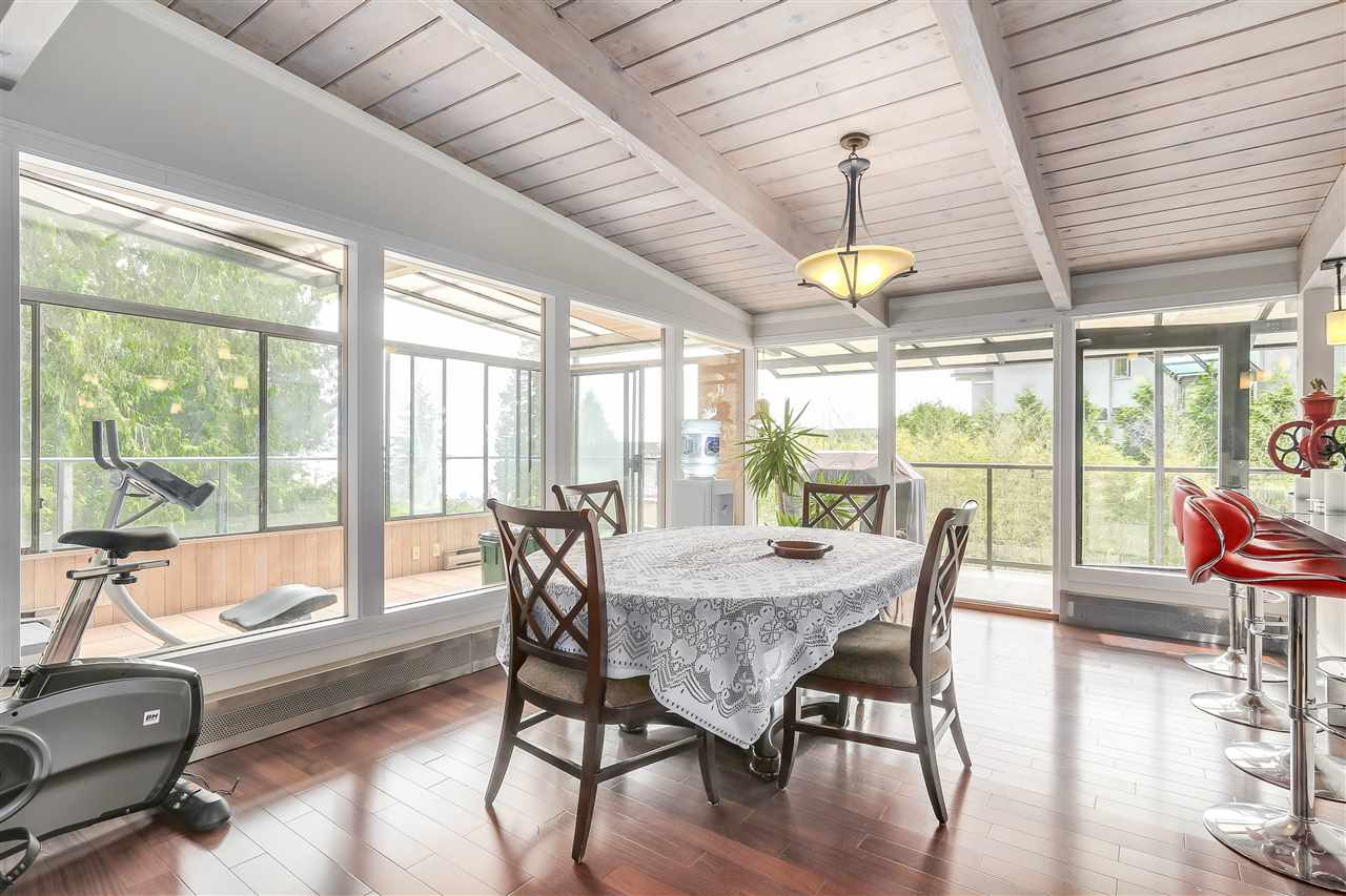 Detached at 4176 ROSE CRESCENT, West Vancouver, British Columbia. Image 5