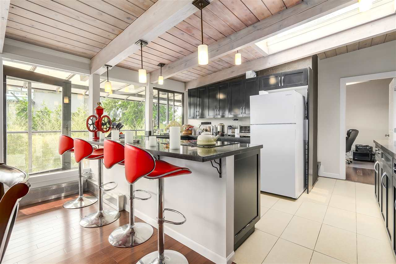 Detached at 4176 ROSE CRESCENT, West Vancouver, British Columbia. Image 7