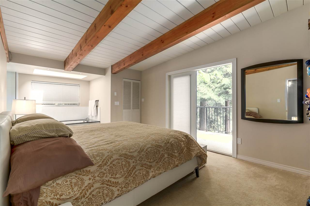 Detached at 4176 ROSE CRESCENT, West Vancouver, British Columbia. Image 11